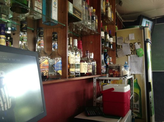 Inca Lounge and Bistro: Sitting at the bar