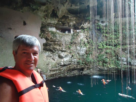 Cenote Ikil: La vegetación