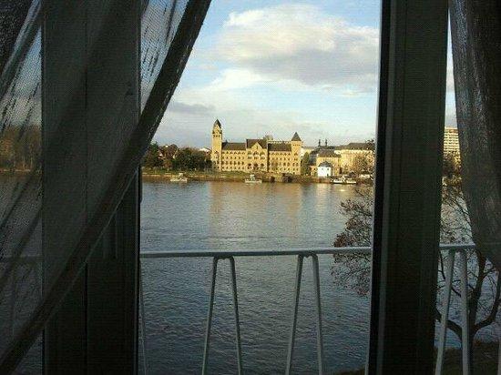 Diehls Hotel : Vista desde la cama