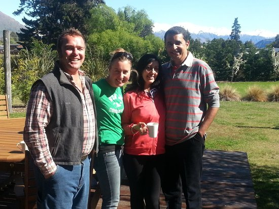 Mountain Range Boutique Lodge: With Cory and Camilla