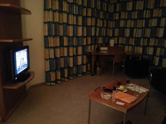 Starlight Suites Hotel: room