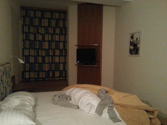 Starlight Suites Hotel: bedroom