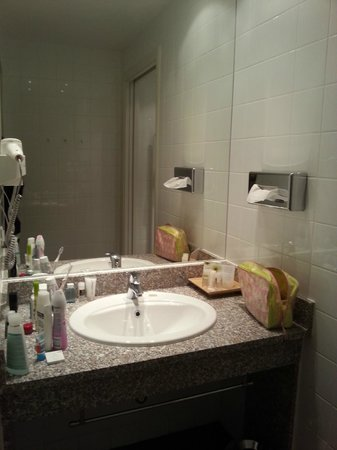 Starlight Suites Hotel: bathroom