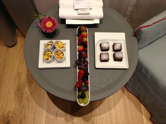 Hotel Metropole Geneve: Room