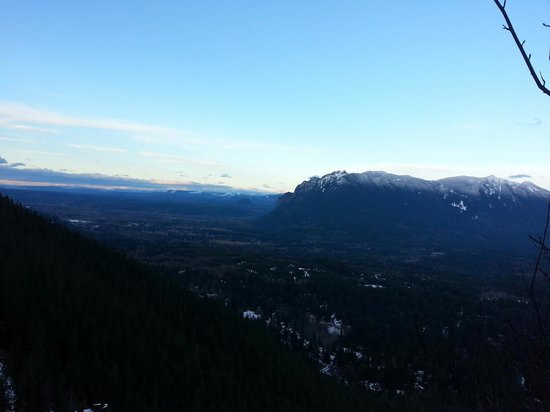 Rattlesnake Mountain Trail