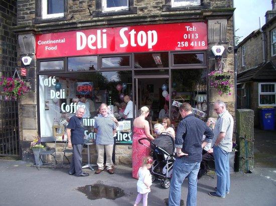 Deli Stop: Family friendly cafe