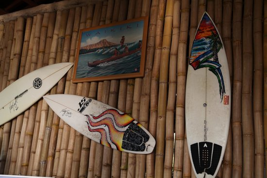 Tiki Hut Bar and Restaurant: KELLY SLATER FIRMA