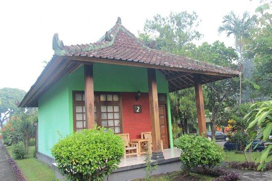 Poeri Devata Resort Hotel : individual bungalows