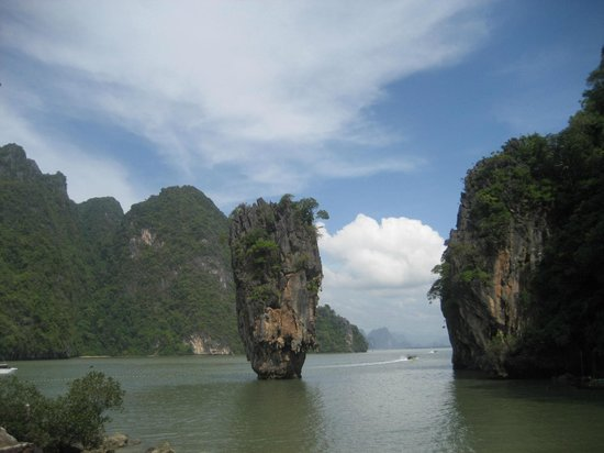 The Sarojin: James Bond Island