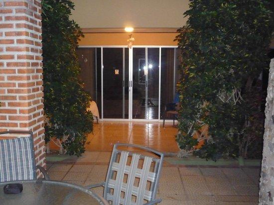 Hotel ManGaby: Room entrance