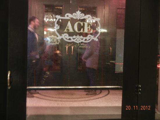 Ace Hotel New York: ドアマンもラフなスタイル。