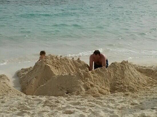 Grand Lucayan, Bahamas: lots of sand