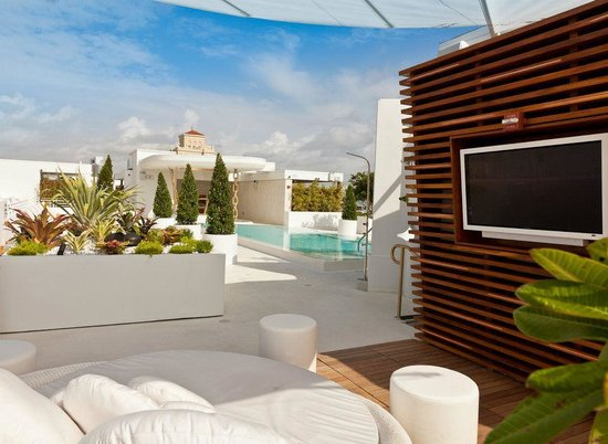Dream South Beach Highbar Rooftop Pool And Lounge Cabana