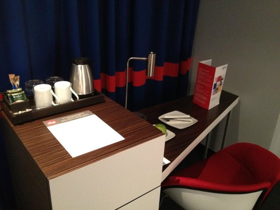 Park Inn By Radisson: Work desk