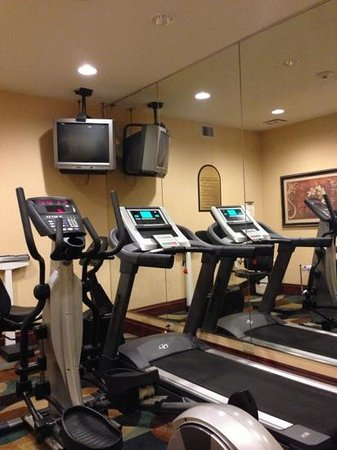 Red Roof Inn: fitness center is amazing..