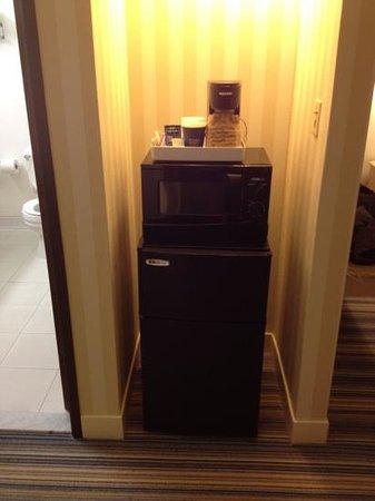 Four Points by Sheraton Bakersfield : fridge