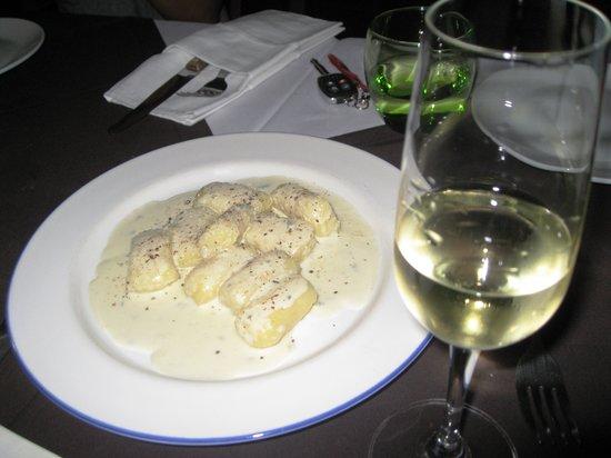 Aria D'Italia: Gnocchi with White Sauce