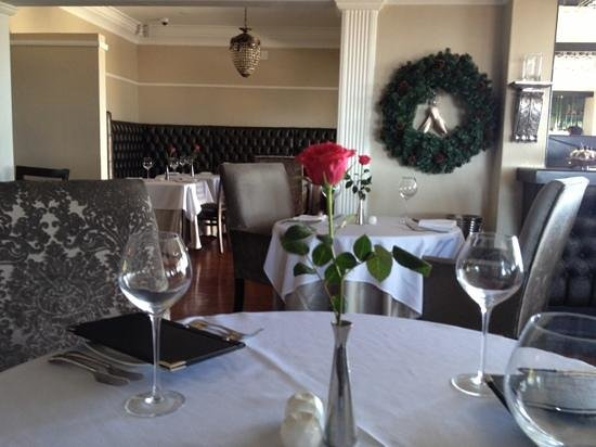 Giorgio's at The View: Indoor decor very tastefully done