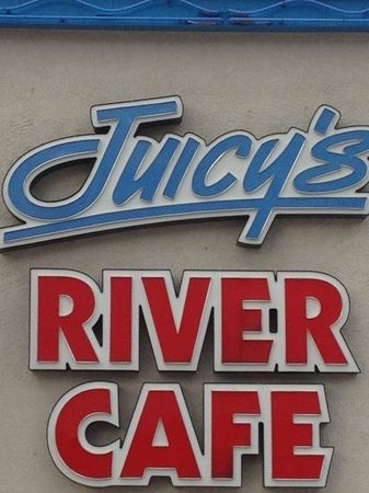Juicy's Famous River Cafe: juicy's!!