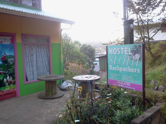 Hotel Sloth Backpackers Bed & Breakfast: View from font