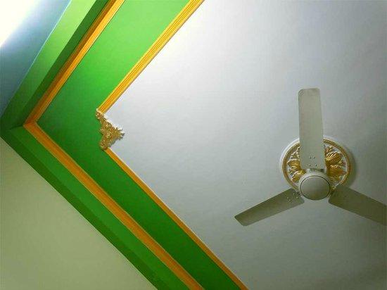 Rudra Guest House: freshly painted