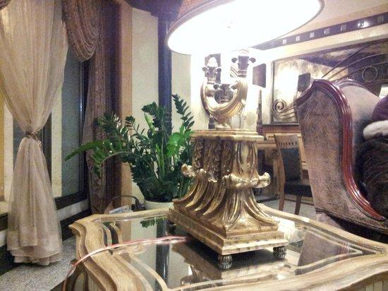 Senator Hotel: Reception