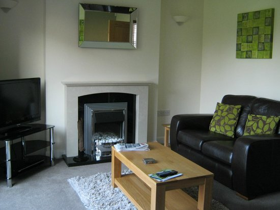 Lakeview Holiday Cottages: Lounge