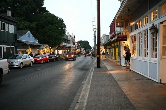 Lahaina Inn: Nearby street views