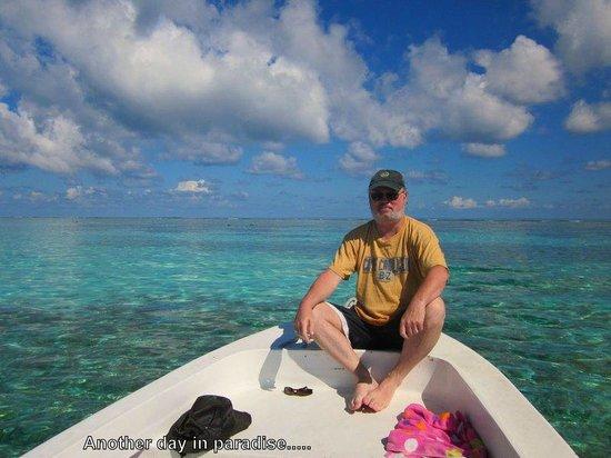 Colinda Cabanas: Snorkeling Caye Caulker