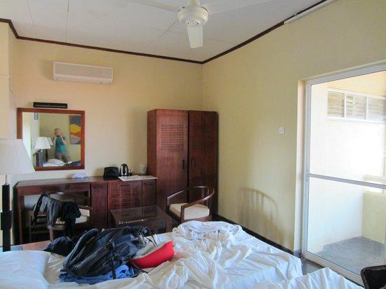 سانمالي بيتش هوتل: Bedroom 