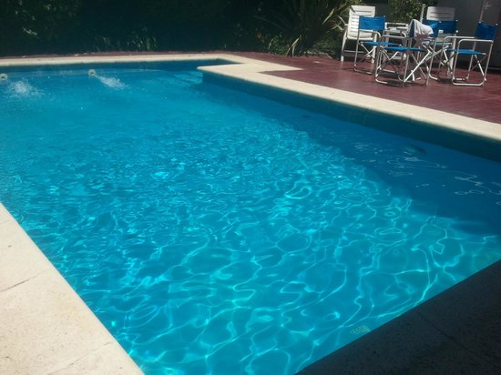 Hotel Torreblanca : Here's the little pool. It's about 5'6