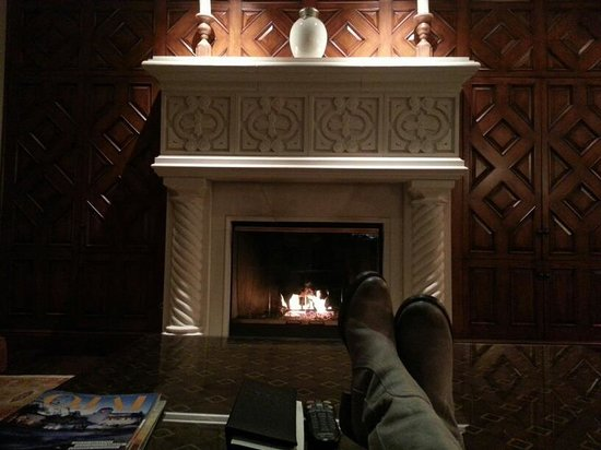 Ojai Valley Inn & Spa: Cozy'd up to the most beautiful fireplace...EVER