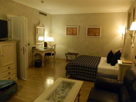 Salles Hotel Pere IV: Junior suite, habitación principal