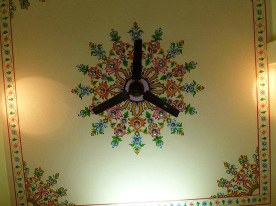 Ratan Niwas: Room ceiling mural