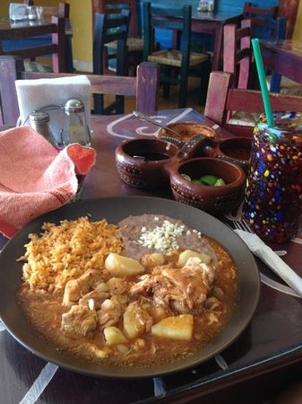 Figueroa's Burritos: el guisado mmmmh! pollo con papas!