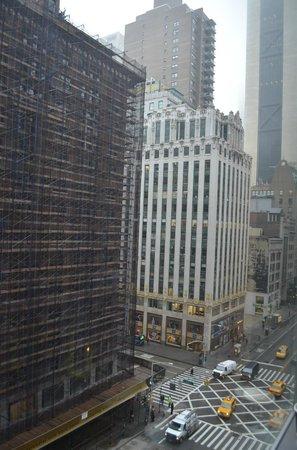 West 57th Street by Hilton Club : West 57th Street (Looking east)