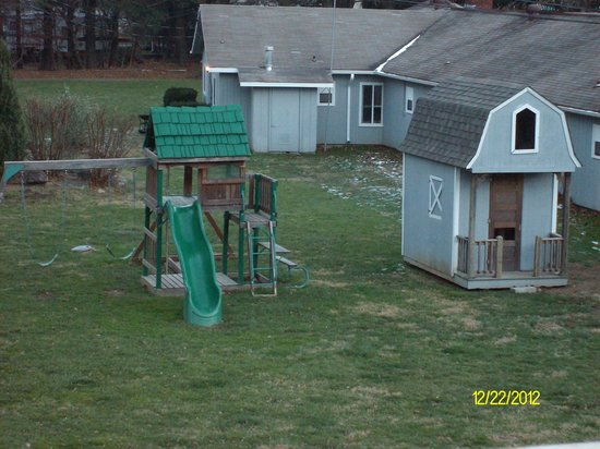 Meadowlark Motel: playset and barn for kids