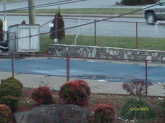 Meadowlark Motel: pool