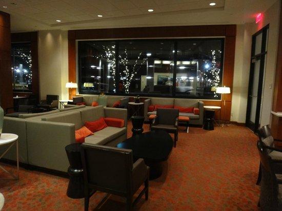 Hilton Garden Inn Portland Downtown Waterfront: Hotel lobby