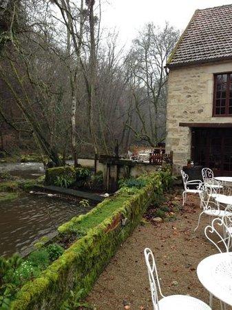 Le Moulin des Templiers : Cousin River