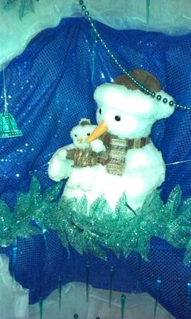 The Hanging Gate Pub and Restaurant: snowman