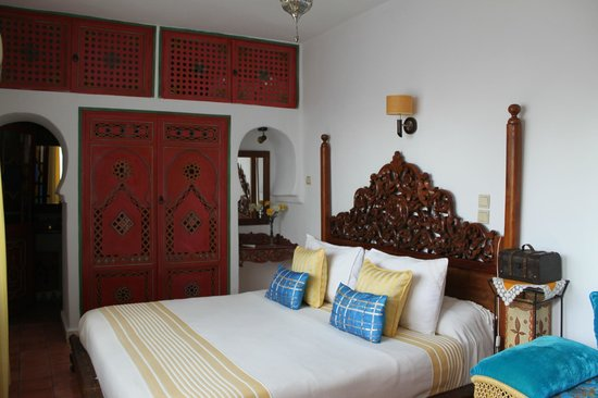 Dar Meziana Hotel: One of the stunning rooms on offer