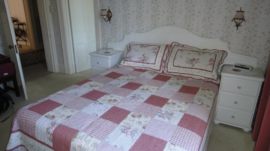 Boscobel of Ulverstone Bed & Breakfast: Room