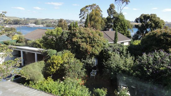 Boscobel of Ulverstone Bed & Breakfast: View to leven