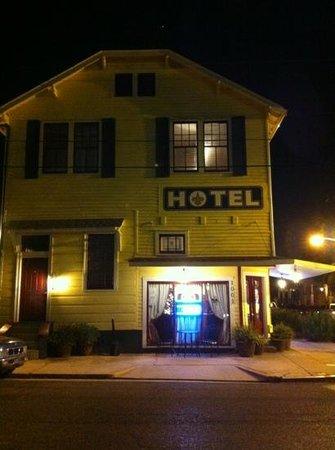 Olde Town Inn: facciata hotel