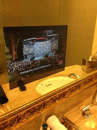Trump International Hotel Las Vegas: tv in bathroom mirror!