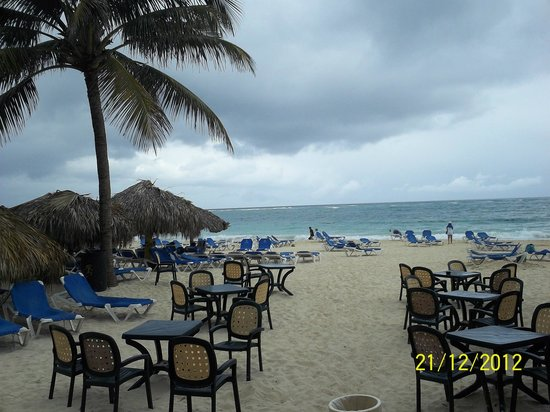 Caribe Club Princess Beach Resort & Spa: Beach grill view