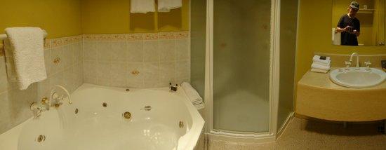 Cradle Mountain Hotel: Bathroom
