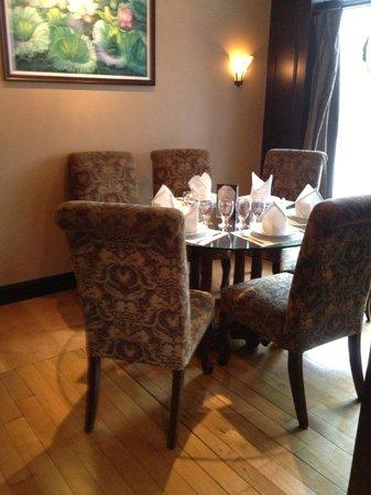 Bangkok Cuisine: Dining room