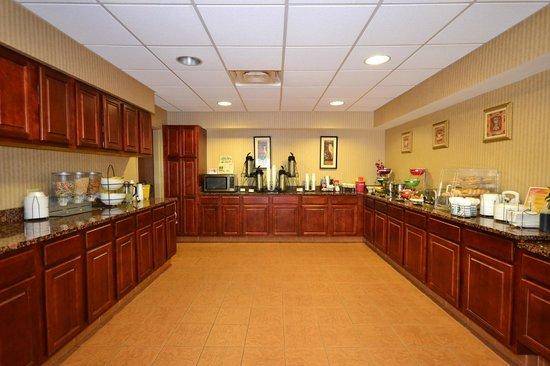 BEST WESTERN Plus Saratoga Springs: Kitchen